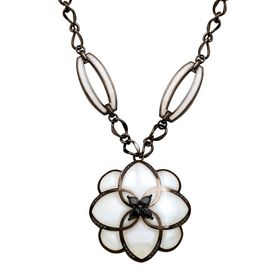 Peonia Deco Necklace with Mother-of-Pearl Resin