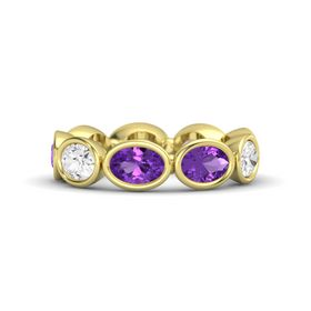 Oval Amethyst 18K Yellow Gold Ring with Amethyst and White Sapphire