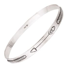 Arrow Dynamic Bangle