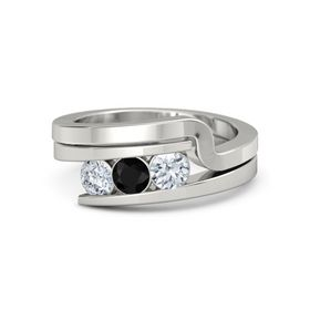 Round Black Onyx 18K White Gold Ring with Diamond