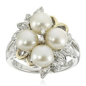 6 mm Pearl Flower Ring with Diamonds