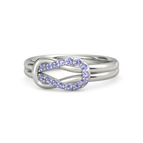 18K White Gold Ring with Iolite