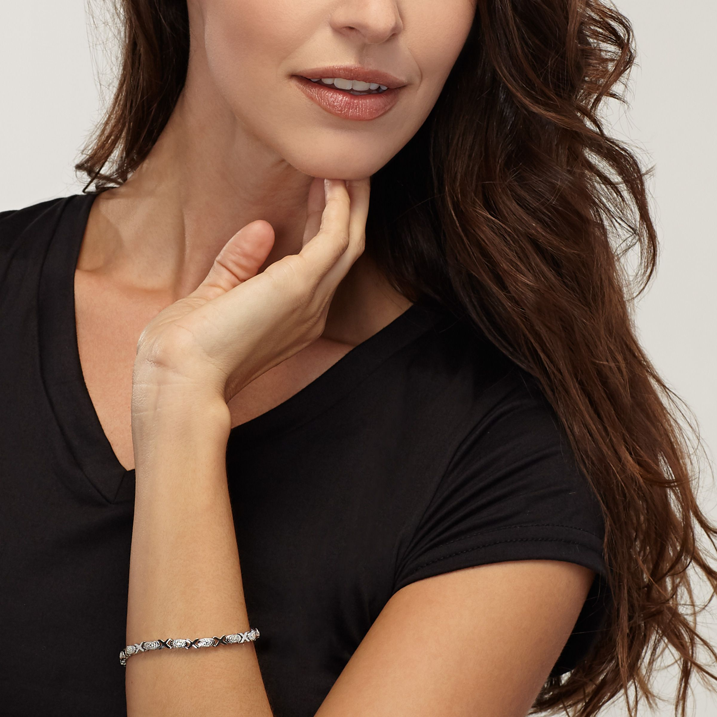 "/'XO/' Tennis Bracelet with Diamonds in Rhodium-Plated Brass 6.75/"""