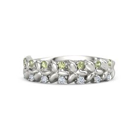 18K White Gold Ring with Peridot and Diamond