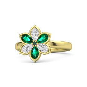 Round Alexandrite 14K Yellow Gold Ring with White Sapphire and Emerald