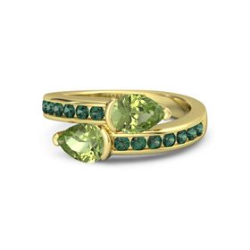 Pear Peridot 14K Yellow Gold Ring with Peridot and Alexandrite