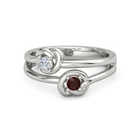 18K White Gold Ring with Red Garnet & Diamond