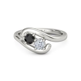 18K White Gold Ring with Black Diamond and Diamond