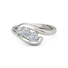 18K White Gold Ring with Diamond