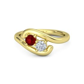18K Yellow Gold Ring with Ruby & Diamond
