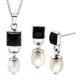 Black & White Pendant & Earrings Set