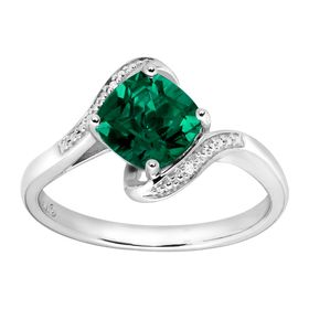 1 3/8 ct Emerald Ring with Diamonds